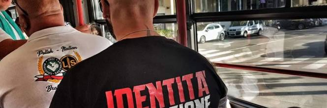 Rimini, ronde Forza Nuova in spiaggia 1