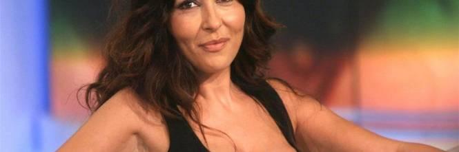 Sabrina Ferilli Calendario.Sabrina Ferilli Mozzafiato In Vacanza Ad Ischia Con Il