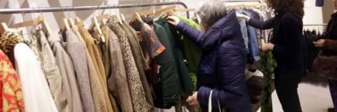 Guerra allo shopping online