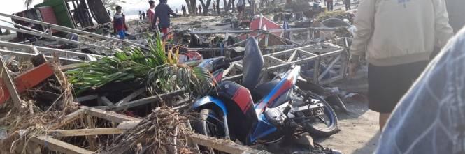 Le immagini del disastro in Indonesia 1