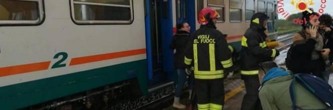 Crotone, tromba d'aria travolge un treno 1
