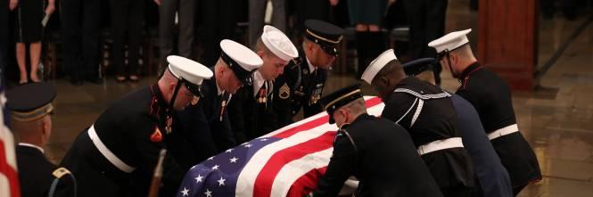 Trump rende omaggio a Bush 1