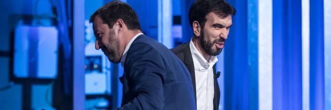 La stretta di mano tra Matteo Salvini e Maurizio Martina 1