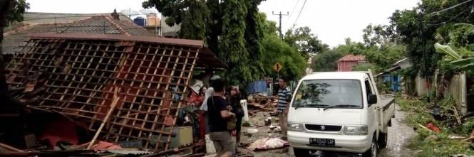 L'Indonesia devastata dalla furia dello tsunami 1