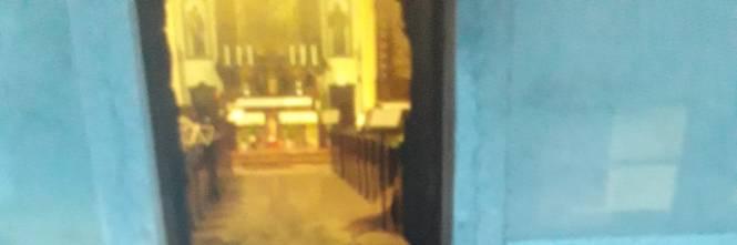 Rovereto, incendiato il portone della chiesa che ospitò il presepe anti-abortista 1