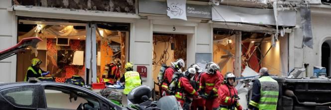 Paura a Parigi: forte esplosione in centro 1