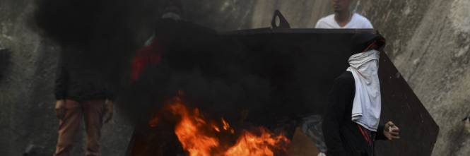 Venezuela, violente proteste contro Nicolas Maduro 1