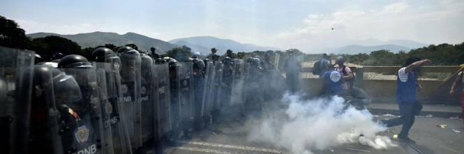 Scontri  al confine fra Venezuela e Colombia 1
