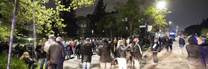 Roma, ira dei cittadini contro i rom: esplode la protesta 1