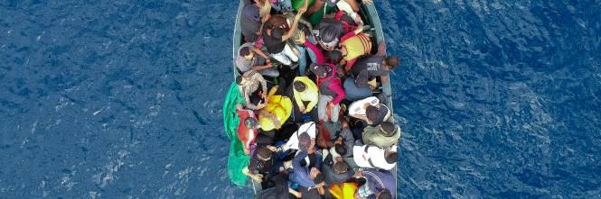 Davano permessi falsi a immigrati clandestini: arrestate ...