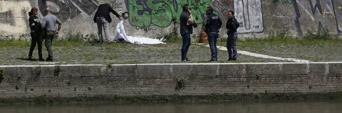 Roma, trovato il corpo di una donna sotto Ponte Sisto 1