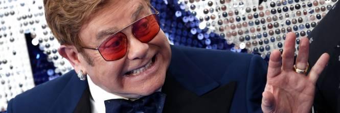 """Elton John ha comprato la candela di Gwyneth Paltrow: """"È un fan"""""""