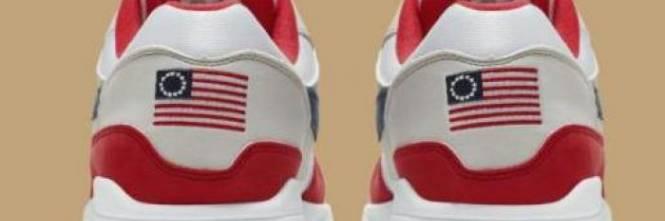 Bandiera schiavista sulle nuove scarpe: scoppia bufera su