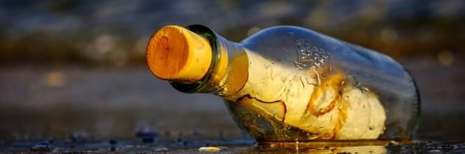 La bottiglia che ha viaggiato mezzo secolo per portare il messaggio di un tredicenne