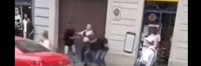 Torino, nigeriano aggredisce poliziotti ma torna subito ...