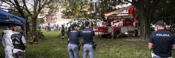 Uomo trovato morto impiccato a Milano 1