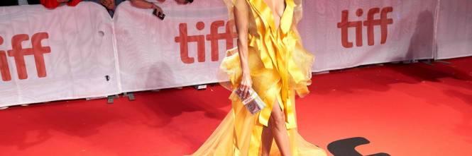 Jennifer Lopez sexy in giallo alla premiere del suo film Hustler 1