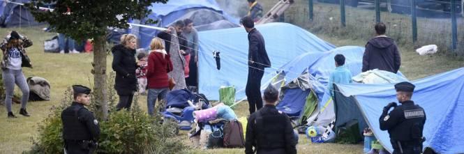 """Francia, sgomberato campo migranti: """"Troppa violenza"""" 1"""