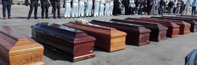 Arrivate a Porto Empedocle le salme delle vittime di Lampedusa  1