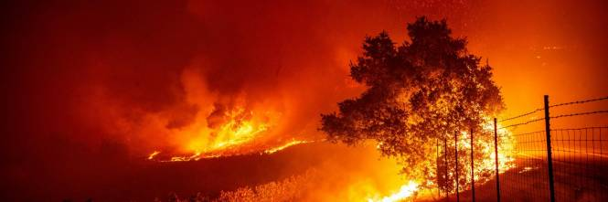 Inferno di fuoco in California 1