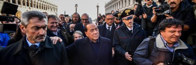 Acqua alta a Venezia, arriva Berlusconi 1