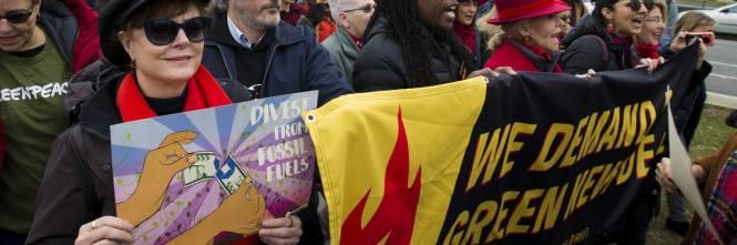 Joaquin Phoenix in piazza contro i cambiamenti climatici 1