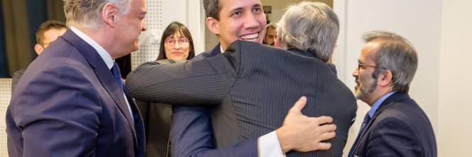 Tajani e Guaidó a Bruxelles 1