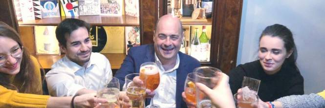 Aperitivo, incontri e interviste: le ultime tappe di Zingaretti ...