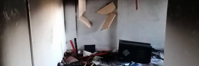 Modena e Bologna, le carceri devastate e le minacce sui muri 12