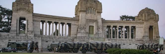 Per spostare le salme dal cimitero di Bergamo arriva l'esercito 1