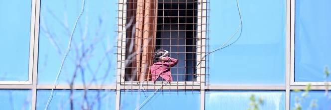 Il Selam palace isolato dall'esercito: screening a tappeto sui migranti 1