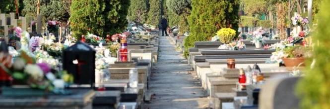 Lecce, vigilessa interrompe funerale per controllare tutti i presenti