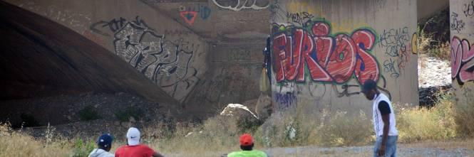 Chiuso il campo Roya, migranti occupano i binari e l'argine del fiume 1
