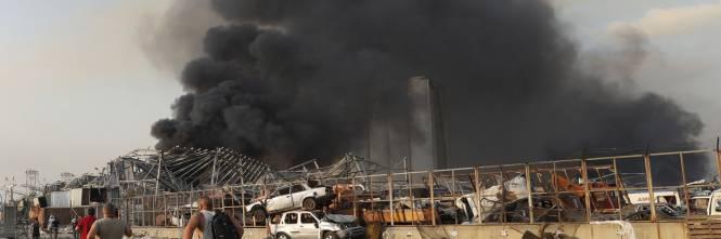 Beirut, due esplosioni devastano il porto 1