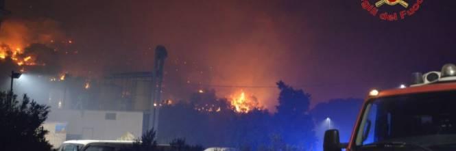 Altofonte invasa dalle fiamme. Ettari di boschi andati distrutti 1