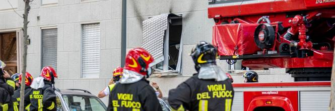 Milano, violenta esplosione in un condominio in piazzale Libia 1