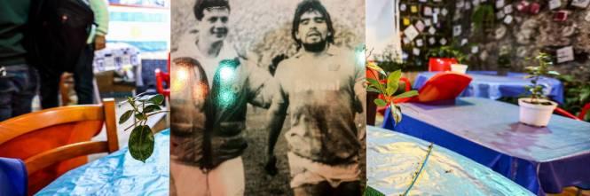 Napoli piange il suo mito Diego Armando Maradona 1