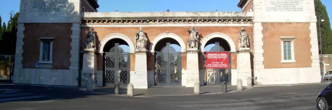 """A Roma vietato morire: """"Tra 15 giorni spazi terminati nei cimiteri"""""""