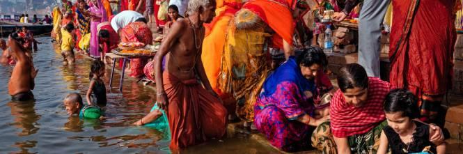 """Corte suprema indiana: giudice suggerisce a imputato per stupro di """"sposare la vittima"""""""