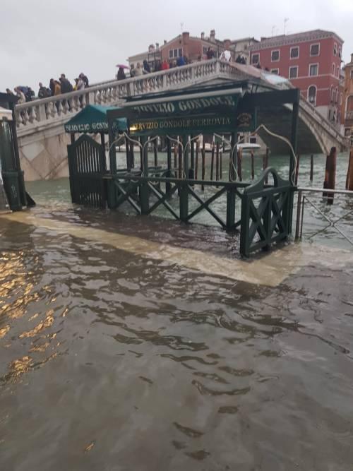 Maltempo in Veneto. Ponte della Priula: crolla il ponte 14