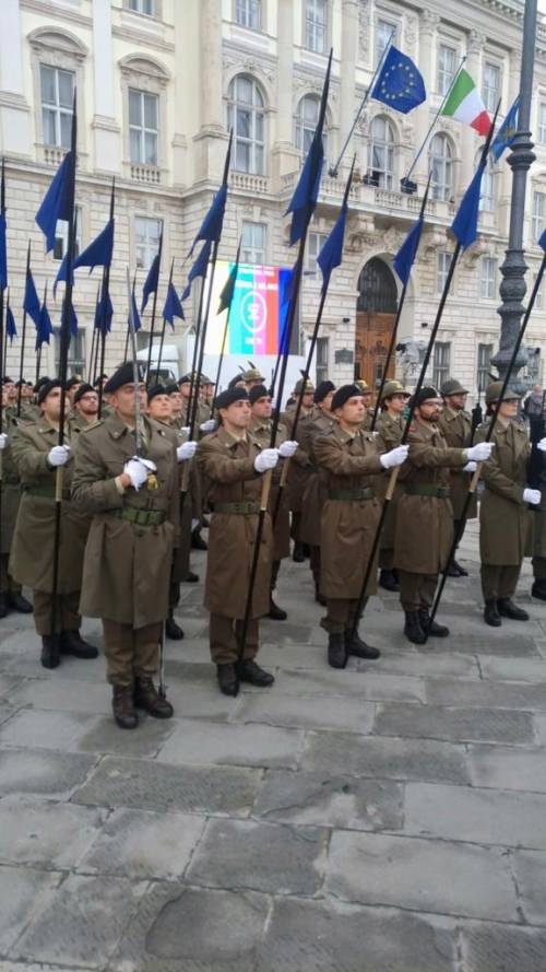 La preparazione della parata del 4 novembre 2