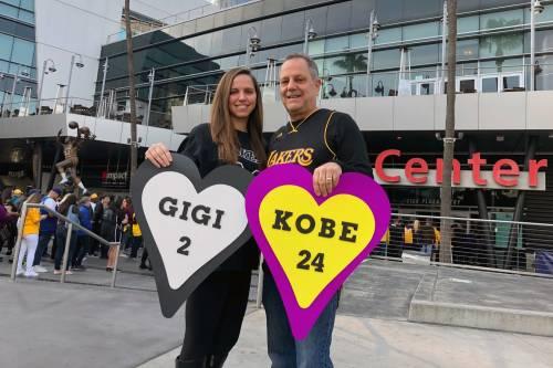 Gli scatti del commovente saluto a Kobe e Gianna Bryant 5