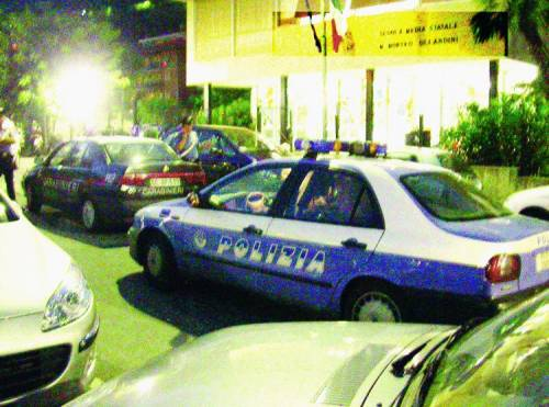 «Compagni» a scuola, arriva la polizia