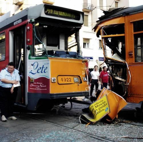 Scontro fra tram: diciotto i feriti