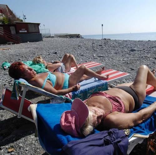 In fuga dalle spiagge: cali fino al 20 per cento