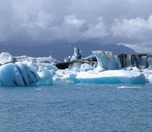 Tra i ghiacci e le strade d'Islanda dove gli elfi sono specie protetta