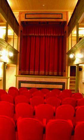 Il trionfo del piccolo grande teatro