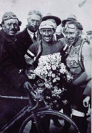 Costanza Girardengo: «La bicicletta e l'Italia i valori di mio nonno»