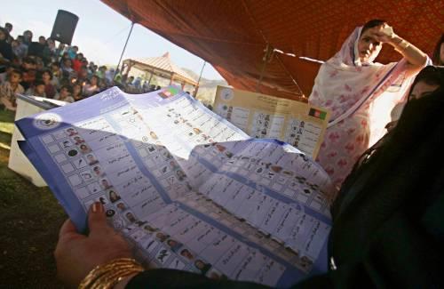 In duemila per pulire i Navigli De Corato: «La città li ami di più»