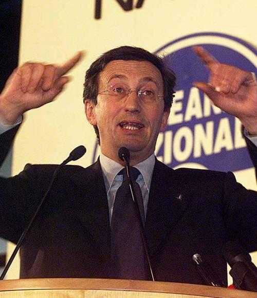 An, La Spezia lancia l'ultimatum a Fini: «O Minasso o noi»